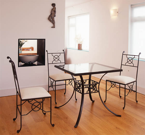 Xenos dining table                         and chairs: click for more information